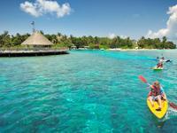 班多斯岛温泉度假村的封面