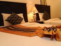 N.T.蓝塔度假酒店的封面