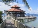 围岛珊瑚度假村的封面