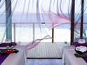 米拉门胡岛度假温泉酒店的封面
