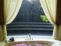 安娜塔拉酒店的封面