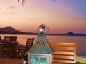 Ad Hoc Beach Cafe的封面