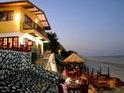 Beach Cafe Restaurant的封面