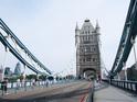 伦敦塔桥的封面