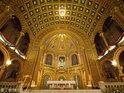 圣母升天座堂的封面
