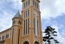 大叻天主教堂的封面