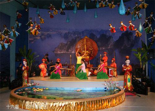 传统表演与手工艺品作坊的照片
