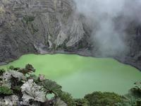 莫拉比火山的封面