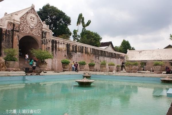 水上城堡的照片