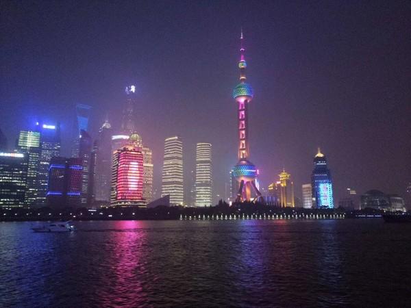 东方明珠广播电视塔的照片