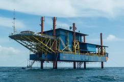 钻井平台潜水中心